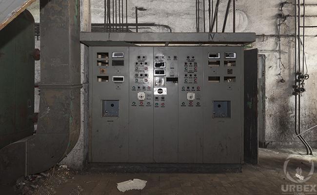 anbandoned control room
