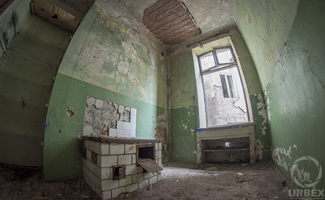 deacaued room in an abandoned tenement house