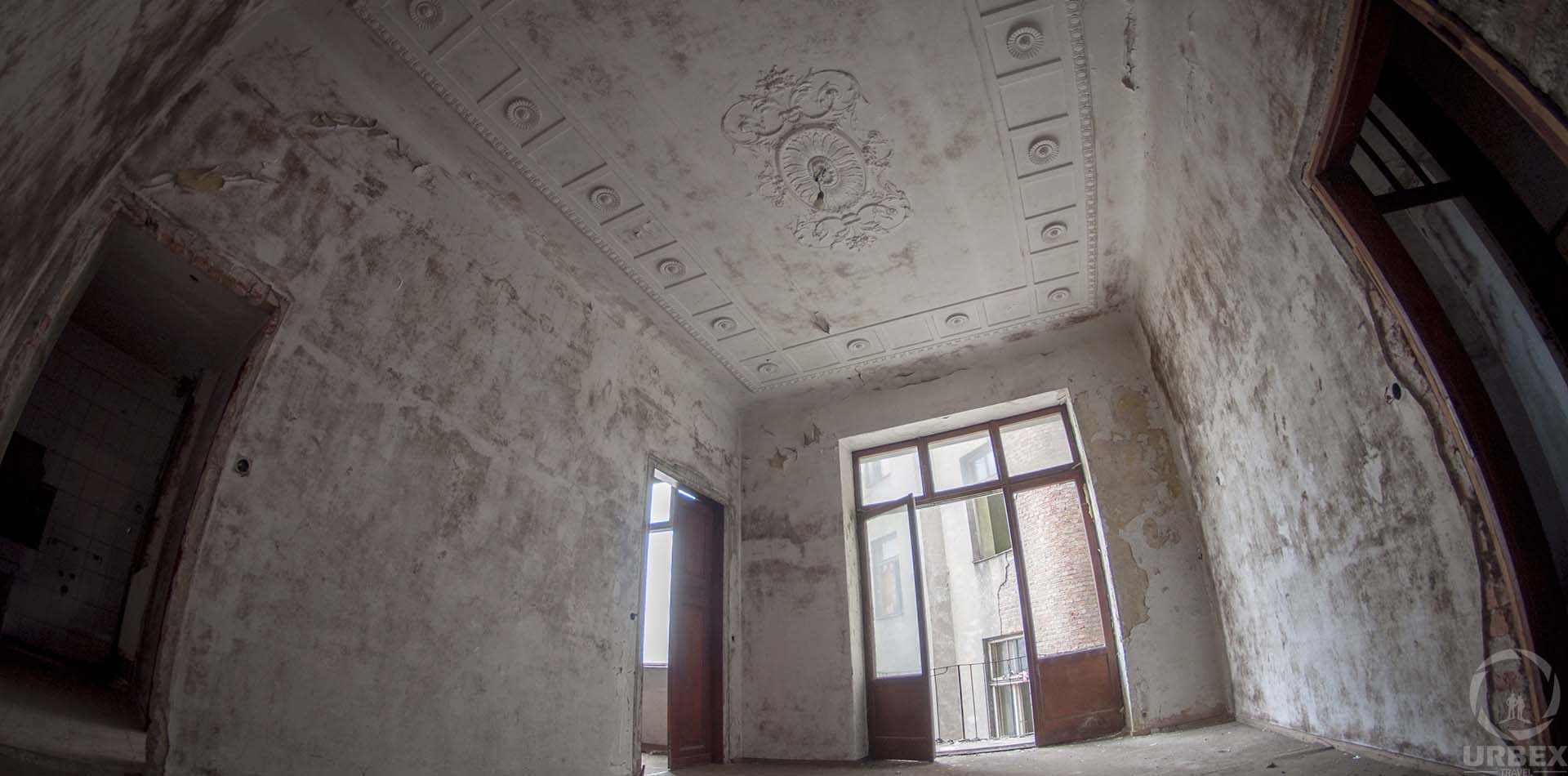 Urbex in Warsaw Abandoned Tenemrnt House