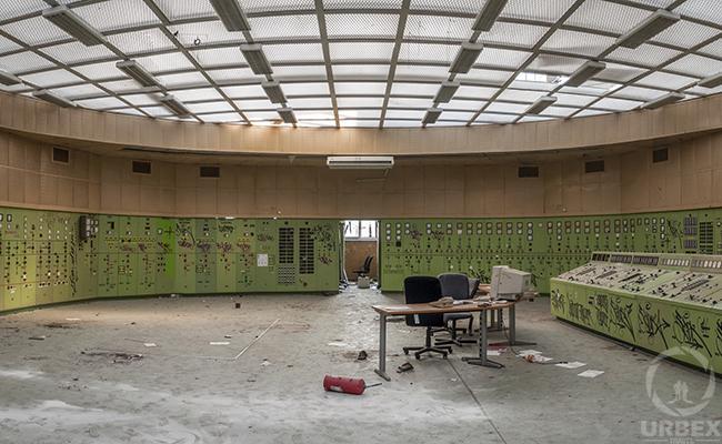Abandoned Control room urbex