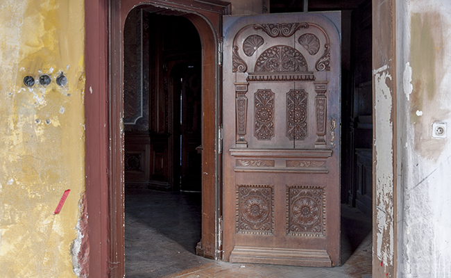wooden door in adria palace