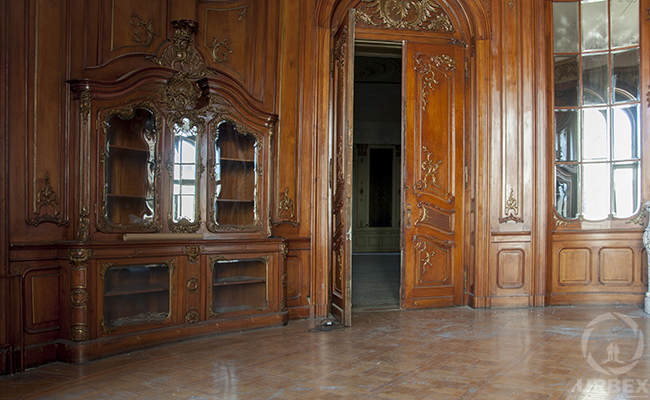urbex ballroom in abandoned adria palace
