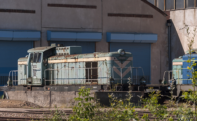abandoned trains in warsaw