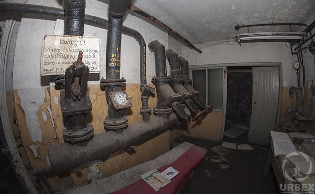 abandoned shelter in Polans