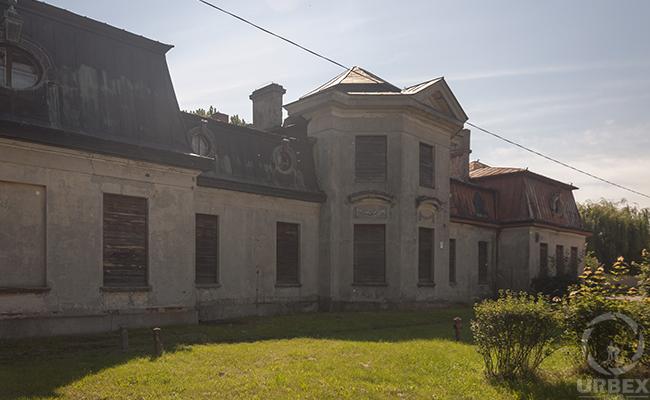 bratoszewice palace
