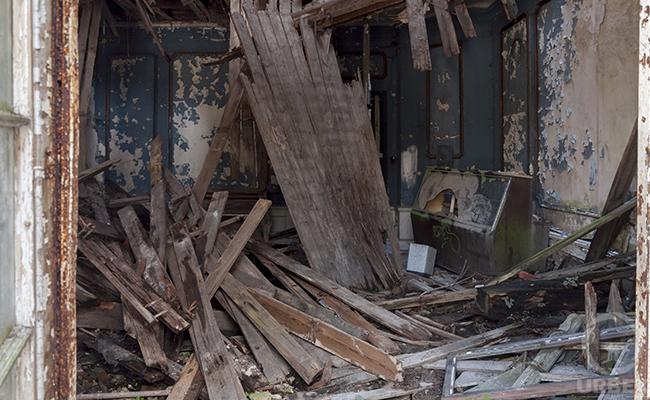 destroyed abandoned building