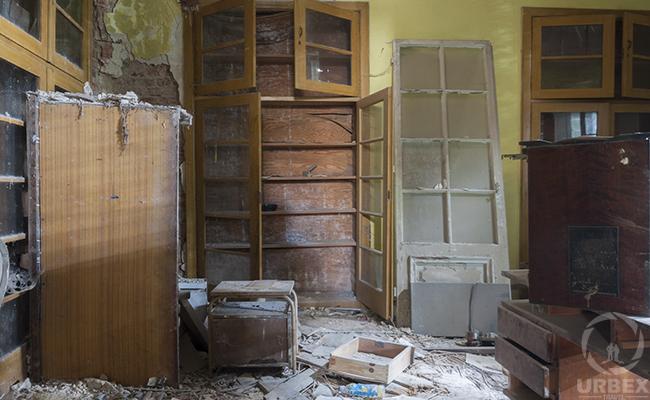 abandoned palace library