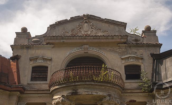 abandoned bratoszewice palace