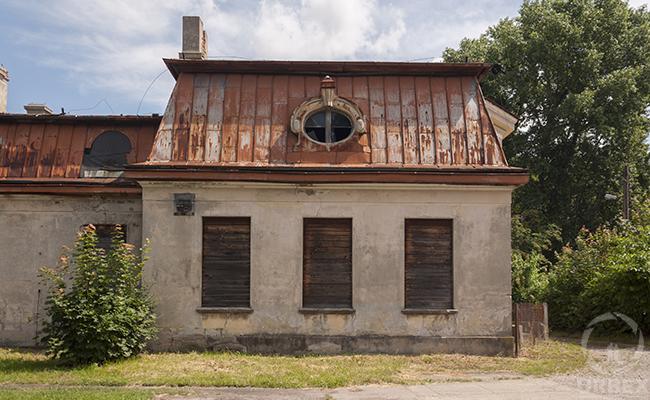 abandoned bratoszewice mansion