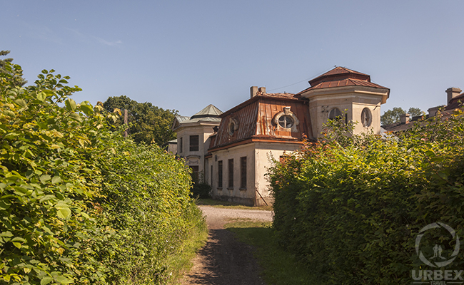 abandoned piano palace