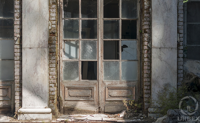 brocken windows in an abandoned palace