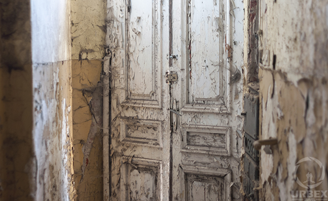 door of abandoned palace