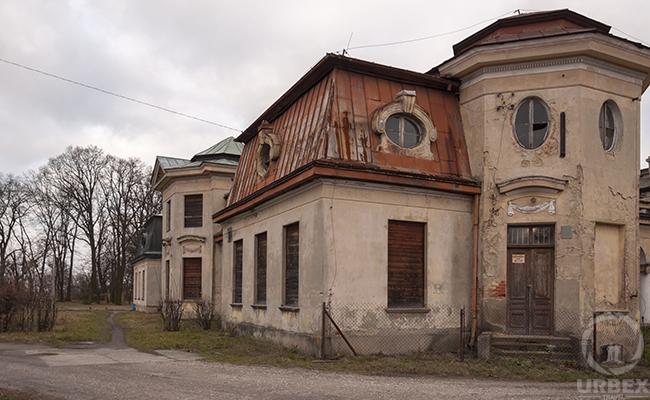 forgotten sad palace