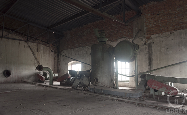 old machines in forgotten factory