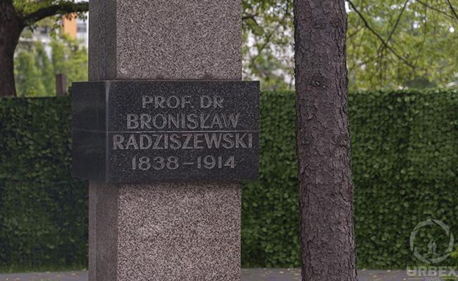 Bronisław Radziszewski monument