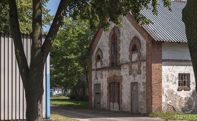 old abandoned farm houses