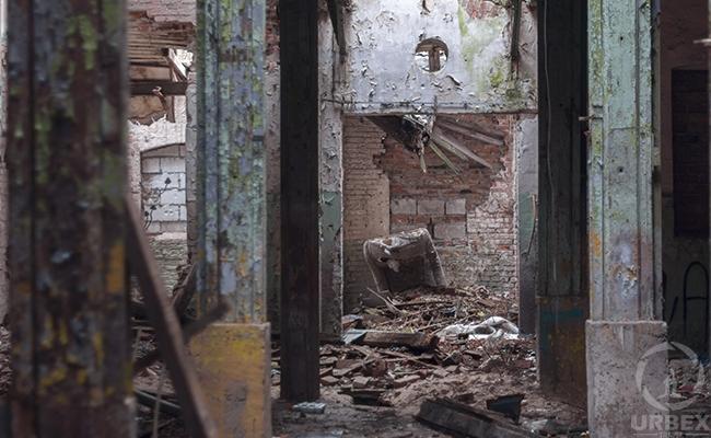 abandoned brick building on fair st. st. louis missouri
