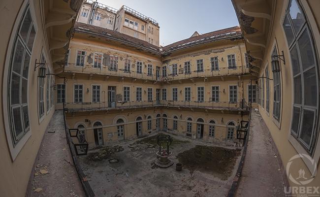 skyrim forgotten city abandoned palace