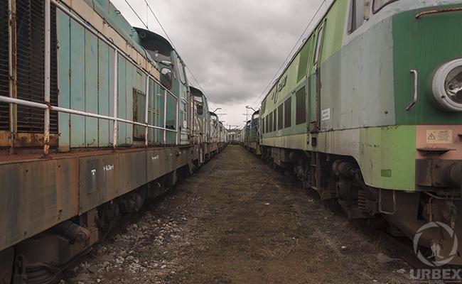 uyuni train cemetery bolivia
