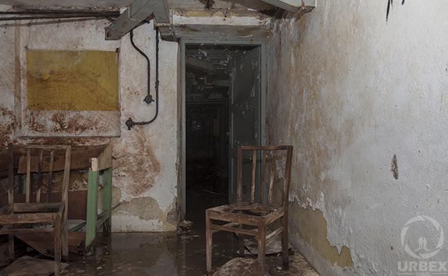 abandoned bunker+old phones