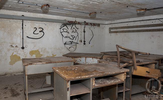 diy underground bunker