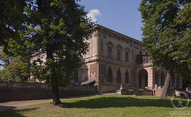 Johnson & Johnson old the abandoned haunted palace