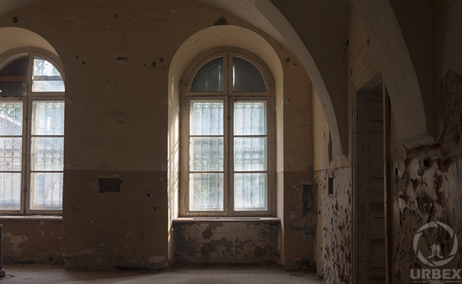 abandoned palace in Pilica