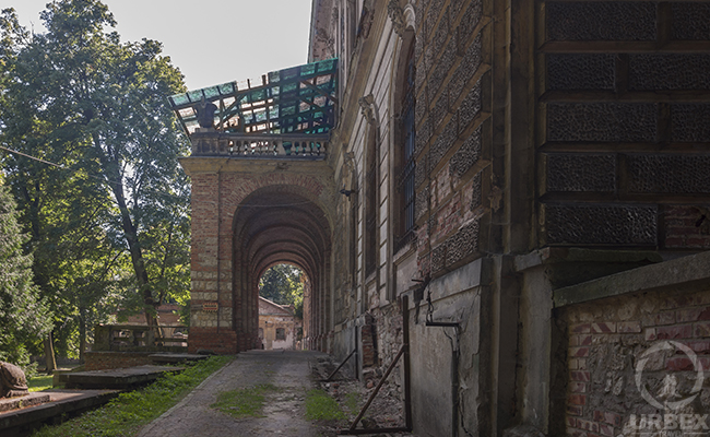 entrance to the old haunted castle