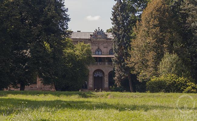 abandoned chateau Johnson & Johnson