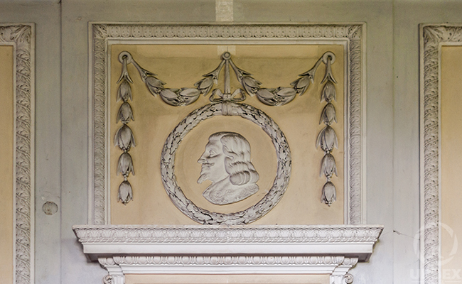 bas-reliefs in the ballroom in the haunted palace