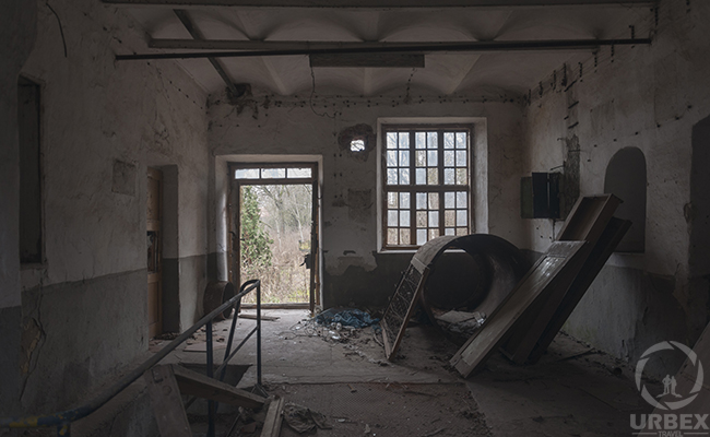 witcher 3 abandoned distillery