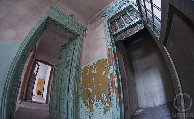 urbex in Warsaw abandoned tenement house